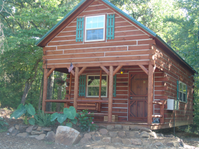 Log cabin rentals in the Shawnee Forest in southern Illinois